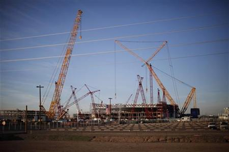 A view shows an Intel plant under construction in Chandler, Arizona January 25, 2012.     REUTERS/Jason Reed