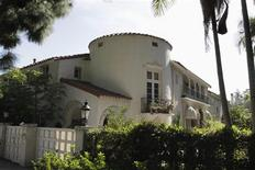 A view of a multi-million dollar home in foreclosure on Rexford Drive in Beverly Hills, California February 3, 2012. REUTERS/Jonathan Alcorn