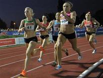 Atletas competem na prova feminina de 800 metros no grand prix internacional IAAF, em Zagreb, em setembro de 2011. O presidente do comitê organizador da Olimpíada de Londres-2012, Sebastian Coe, disse que é preciso estimular mudanças no comportamento de países que não enviam atletas mulheres aos Jogos. 13/09/2011 REUTERS/Srdjan Zivulovic