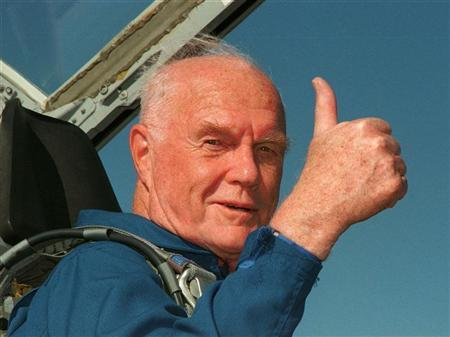 Ohio Senator John Glenn gives the thumbs up sign from the cockpit of his T-38 jet aircraft as he arrives at the Kennedy Space Centre October 26, 1999. REUTERS/Stringer