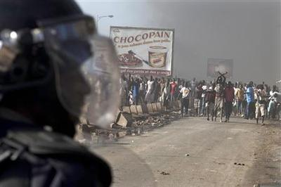Senegal police clash with rioters as vote looms