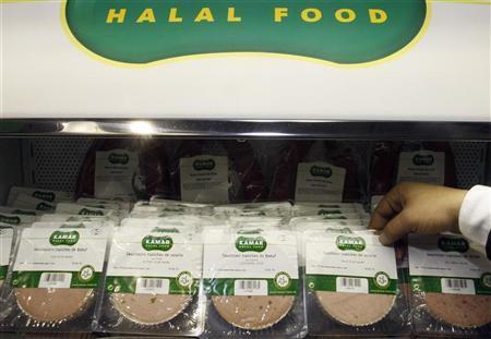 Halal sausage is displayed at the Halal exhibition which presents food products for Muslim clients which are prepared following Islamic dietary laws, in Paris March 30, 2010.  REUTERS/Regis Duvignau