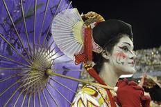 Em seu desfile a Grande Rio falou sobre a superação, e lembrou a recuperação do Japão após ser atingido por duas bombas atômicas na 2a Guerra Mundial. 21/02/2012 REUTERS/Sergio Moraes