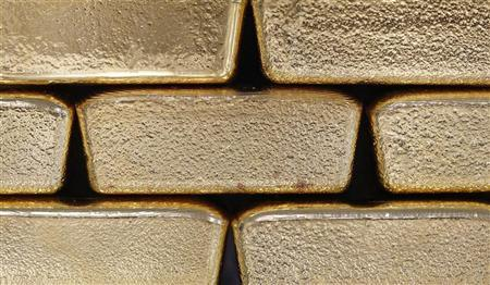 Gold bars are pictured at the Austrian Gold and Silver Separating Plant 'Oegussa' in Vienna August 26, 2011.REUTERS/Lisi Niesner