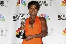 "Actress Viola Davis poses with the Image Award she won as best actress in a motion picture for her role in ""The Help"" at the 43rd NAACP Image Awards in Los Angeles, California February 17, 2012. REUTERS/Fred Prouser"