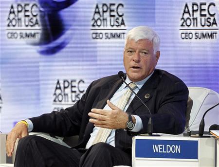 William C. Weldon, CEO of Johnson & Johnson, participates in the APEC CEO Summit in Honolulu, Hawaii November 12, 2011.   REUTERS/Jason Reed
