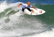 Campeão mundial de surfe Kelly Slater durante a etapa do Rio de Janeiro do circuito mundial de 2011. 19/05/2011 REUTERS/Sergio Moraes
