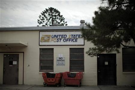A post office which closed its counter services four years ago is seen in Los Angeles, January 30, 2012.      REUTERS/Lucy Nicholson
