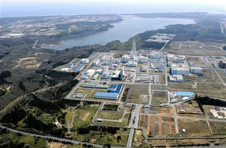 Japan Nuclear Fuel Limited (JNFL)'s nuclear reprocessing facilities are seen in Rokkasho town, Aomori prefecture, in this photo taken by Kyodo on May 4, 2011.    REUTERS/Kyodo