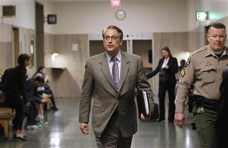 San Francisco Sheriff Ross Mirkarimi walks into Superior Court for the start of his trial on spousal abuse charges in San Francisco, February 24, 2012. REUTERS/Robert Galbraith