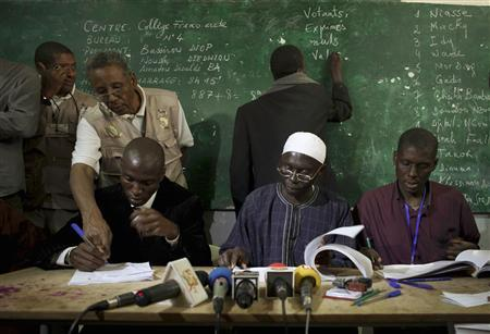 Senegal's electoral officials count votes during presidential elections in the capital Dakar February 26, 2012.  REUTERS/Joe Penney