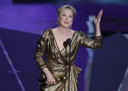 Actress Meryl Streep accepts the Oscar for Best Actress for her role in ''The Iron Lady'' at the 84th Academy Awards in Hollywood, February 26, 2012.  REUTERS/Gary Hershorn