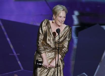 Actress Meryl Streep accepts the Oscar for Best Actress for her role in ''The Iron Lady'' at the 84th Academy Awards in Hollywood, California, February 26, 2012.  REUTERS/Gary Hershorn