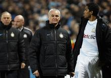 O técnico do Inter de Milão Claudio Ranieri reage após sua partida da Champions League contra o Olympique Marseille no Estádio do Velódromo em Marselha, 22 de fevereiro de 2012. REUTERS/Philippe Laurenson