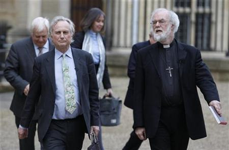 The Archbishop of Cantebury Rowan Williams (R) and atheist scholar Richard Dawkins walk to their debate in the Sheldonian Theatre in Oxford, central England, February 23, 2012. REUTERS/Andrew Winning