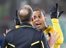 O jogador Ronaldinho Gaúcho reage durante amistoso do Brasil contra a Bósnia, em St. Gallen, na Suíça, nesta terça-feira. 28/02/2012 REUTERS/Miro Kuzmanovic