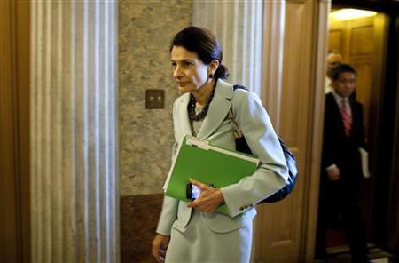Senator Olympia Snowe (R-ME) arrive to vote on a bill at Capitol Hill in Washington August 2, 2011. REUTERS/Joshua Roberts/Files