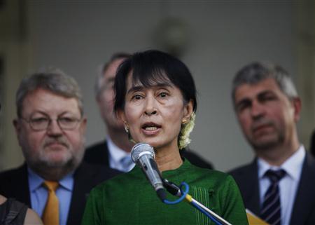 Myanmar's opposition leader and Nobel Peace Prize laureate Aung San Suu Kyi addresses the media after meeting European parliamentarians in Yangon February 29, 2012. REUTERS/Soe Zeya Tun