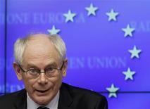 <p>Le président du Conseil européen, Herman Van Rompuy, a été reconduit jeudi par les dirigeants de l'Union européenne pour un nouveau mandat de deux ans et demi. /Photo prise le 1er mars 2012/REUTERS/Yves Herman</p>