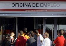 <p>Agence pour l'emploi à Madrid. Le nombre de chômeurs a augmenté de 2,4% en février par rapport à janvier en Espagne, soit de 112.269 personnes, ce qui porte le total de personnes sans emploi à 4,7 millions, selon des données publiées vendredi par le ministère du Travail. /Photo d'archives/REUTERS/Susana Vera</p>