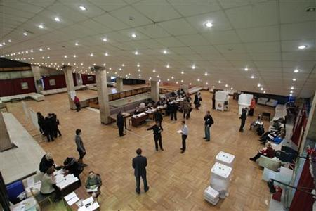 Picture shows a polling station in Moscow during the presidential elections vote, March 4, 2012. REUTERS/Anton Golubev