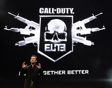 Activision Publishing CEO Eric Hirshberg speaks during the premiere of the video game ''Call of Duty: Modern Warfare 3'' in Los Angeles, California September 2, 2011. REUTERS/Gene Blevins