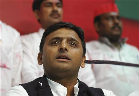 Akhilesh Yadav, state party president and son of the Samajwadi Party President Mulayam Singh Yadav, speaks during a news conference at their party headquarters in the northern Indian city of Lucknow March 6, 2012. REUTERS/Stringer