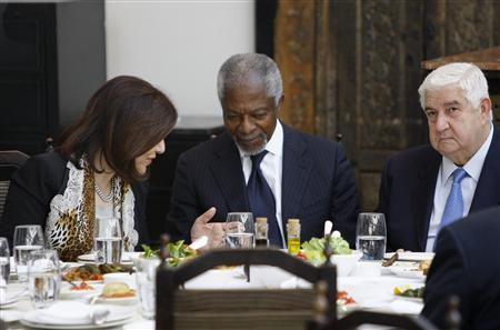 U.N.-Arab League envoy Kofi Annan (C), Syria's Foreign Minister Walid al-Moualem (R) and Bouthaina Shaaban, adviser of Syria's President Bashar al-Assad, attend a working lunch at a restaurant in the old Damascus March 10, 2012. REUTERS/Khaled al-Hariri