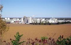 Cargill Inc's corn milling complex, which turns more than 100 million bushels of corn every year in food, feed, fuels and an increasing array of manufactured products from biodegradable plastics to industrial enzymes, is pictured near Blair, Nebraska, one hour north of Omaha, in this undated photograph obtained on September 30, 2010. REUTERS/Cargill/Handout