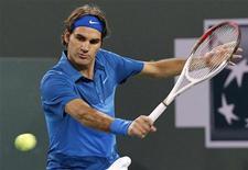 Roger Federer, da Suíça, durante partida contra Denis Kudla, dos EUA, no torneio de tênis de Indian Wells, na Califórnia. 11/03/2012  REUTERS/Danny Moloshok