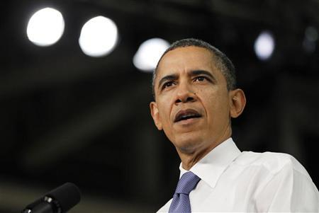 U.S. President Barack Obama delivers remarks on energy and the economy at Daimler Trucks North America manufacturing plant in Mount Holly, North Carolina, March 7, 2012. REUTERS/Jason Reed