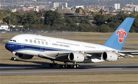 The first Airbus A380 delivered to China Southern Airlines takes off from Toulouse-Blagnac Airport, near Toulouse, October 14, 2011. REUTERS/Jean-Philippe Arles