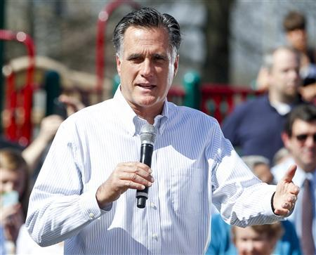 U.S. Republican presidential candidate Mitt Romney holds a grassroots events on jobs and the economy in Kirkwood Park in Kirkwood, Missouri, March 13, 2012. REUTERS/Sarah Conard