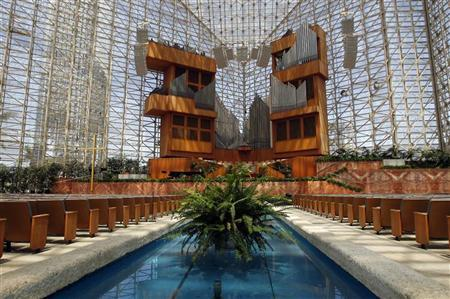 A view of the interior of the Crystal Cathedral in Garden Grove, California August 10, 2011. REUTERS/Alex Gallardo