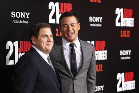Cast members Jonah Hill (L) and Channing Tatum pose at the premiere of ''21 Jump Street'' at the Grauman's Chinese Theatre in Hollywood, California March 13, 2012. The movie opens in the U.S. on March 16. REUTERS/Mario Anzuoni