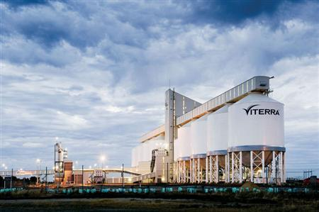 A Viterra facility is seen in Outer Harbor, Australia in an undated handout photo. Commodities trader Glencore, backed by partners Richardson International and Agrium Inc, has agreed to buy Canada's Viterra in a cash deal valuing the country's largest grain handler at C$6.1 billion. REUTERS/Viterra/Handout