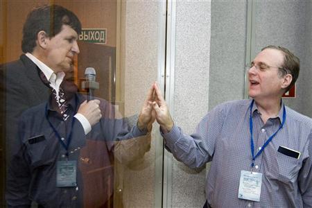 U.S. entrepreneur Charles Simonyi (L) meets his friend, Microsoft co-founder Paul Allen at the Baikonur cosmodrome March 25, 2009. REUTERS/Shamil Zhumatov