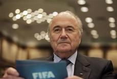 Presidente da FIFA, Joseph Blatter, participa de seminário no Rio de Janeiro. Blatter enviou carta ao ministro do Esporte, Aldo Rebelo, na qual agradece a recepção que teve no Brasil e afirma estar convencido de que a Copa do Mundo de 2014 será um sucesso. Foto de arquivo. 29/07/2011   REUTERS/Ricardo Moraes
