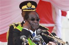 Zimbabwe's President Robert Mugabe addresses supporters at a Heroes Day rally in the capital Harare, August 8, 2011. REUTERS/Philimon Bulawayo