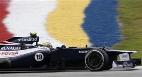 Piloto de Fórmula 1 da Williams, Bruno Senna, durante terceira sessão de prática do Grande Prêmio da Malásia no Circuito Internacional de Sepang. 24/03/2012  REUTERS/Tim Chong
