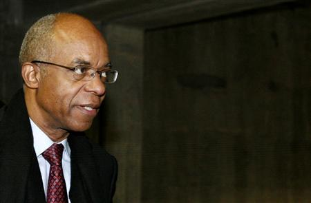 Former U.S. Rep. William Jefferson (D-LA) walks into a parking garage after his sentencing at the U.S. District Court for the Eastern District of Virginia in Alexandria, Virginia November 13, 2009. REUTERS/Molly Riley