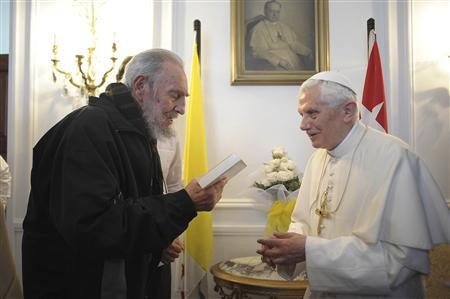 Pope Benedict XVI meets former Cuban leader Fidel Castro in Havana March 28, 2012. REUTERS/Osservatore Romano