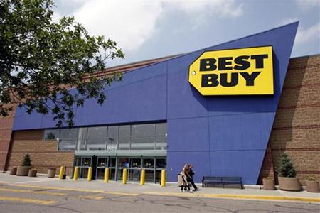 A Best Buy store in Westminster, Colorado June 27, 2007. REUTERS/Rick Wilking