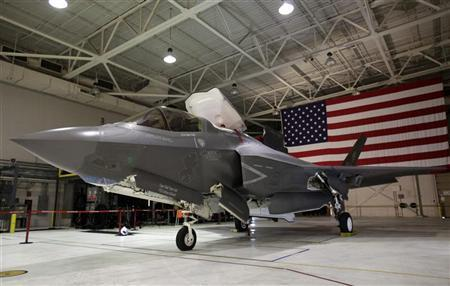 A F-35 Lightning II Joint Strike Fighter is seen at the Naval Air Station (NAS) Patuxent River, Maryland January 20, 2012. U.S. REUTERS/Yuri Gripas