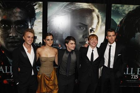 Cast members (L-R) Tom Felton, Emma Watson, Daniel Radcliffe, Rupert Grint and Matthew Lewis arrive for the premiere of the film ''Harry Potter and the Deathly Hallows: Part 2'' in New York July 11, 2011. REUTERS/Lucas Jackson