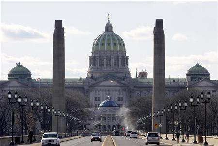 A view of the Pennsylvania State house from the State Street bridge in Harrisburg, Pennsylvania, January 18, 2012. REUTERS/Tim Shaffer