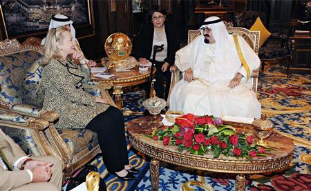 Clinton, Saudi's Abdullah discuss world oil balance thumbnail