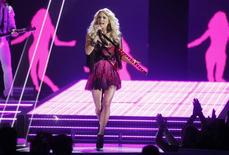 "Singer Carrie Underwood performs ""Good Girl"" at the 47th annual Academy of Country Music Awards in Las Vegas, Nevada April 1, 2012. REUTERS/Steve Marcus"