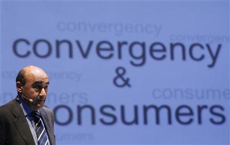 Former Acer Chief Executive Gianfranco Lanci speaks during a news conference in New York, November 23, 2010. REUTERS/Shannon Stapleton