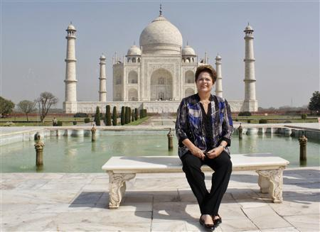 Brazil's President Dilma Rousseff poses in front of the historic Taj Mahal in the northern Indian city of Agra March 31, 2012. REUTERS/Stringer